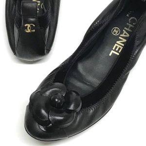 CHANEL Black CAMELLIA Ballet Flats CC BACK 35 $875